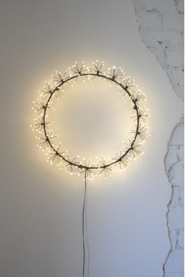 Starburst Wreath (Black)