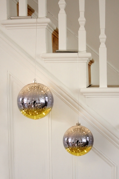 Glass Bauble  (Gold)